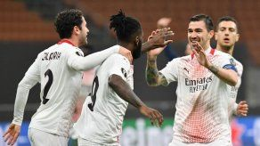 Manchester United y Milan pasan a octavos