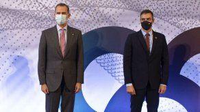 Rey y presidente Sánchez visitan Cataluña entre protestas