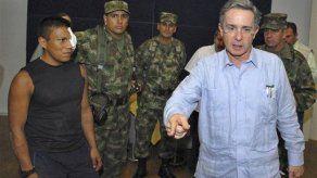 Ex rebelde todavía no decide ir a Francia