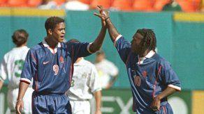 Holandeses Seedorf y Kluivert entrenarán a la selección de Camerún