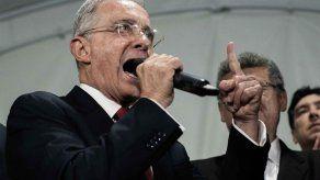 Jueza suspende audiencia sobre libertad de Uribe y la fija para el martes 22