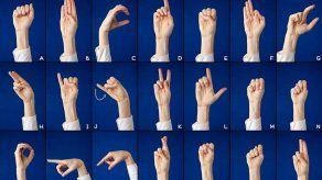 Docentes del IPHE capacitan a instructores del Inadeh en lenguaje de señas