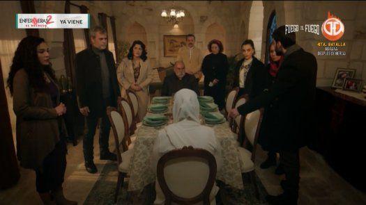 Fusun revela que Azize es madre de Hazar y por ende, abuela de MIran.