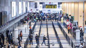 Perú mantendrá suspendidos vuelos comerciales con Europa hasta el 31 de enero
