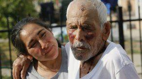 California: Mujer no responde a cargo de golpear a anciano
