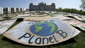 Gobernantes aplauden regreso de EEUU a acuerdo climático