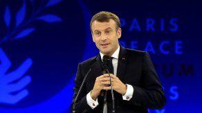 Francia recibe a líderes mundiales en un foro sobre paz