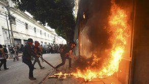 Misión de OEA viaja a Guatemala para conocer crisis que amenaza al gobierno