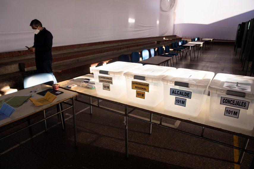 Urnas de votación en Chile