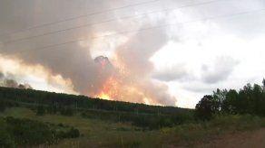 Incendio en arsenal en Siberia dejó un muerto y el fuego fue controlado