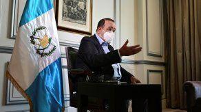 El presidente de Guatemala, Alejandro Giammattei, durante una entrevista en Madrid.