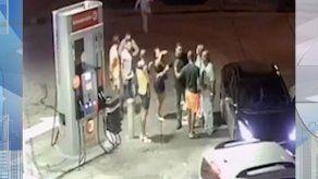 Hombre es asesinado de varios disparos en gasolinera de San Antonio