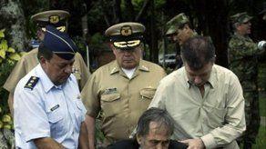 Ex rehén colombiano se reencuentra con su carcelero