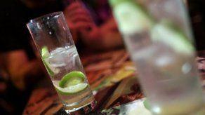 Un 15 % del alcohol que toman los latinoamericanos es ilegal