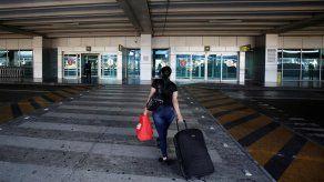Nicaragüenses varados en Panamá viajan hacia su país atravesando Costa Rica