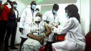 Nigeria recibe casi 4 millones de vacunas de COVAX
