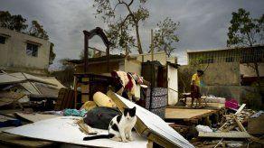 Miles de puertorriqueños llegan a EEUU tras huracán María