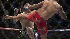 UFC: Werdum vence a Velásquez para coronarse en México