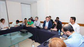 Se instala Comité que busca la electrificación de los vehículos en Panamá