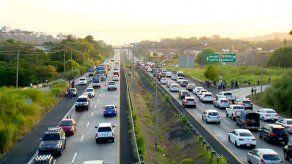 Retraso en trabajos en vía hacia Puente de las Américas causó congestionamiento vehicular