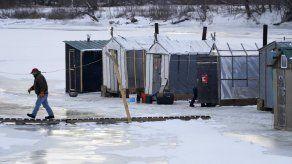 Hielo tardío en EEUU afecta pesca invernal e investigaciones