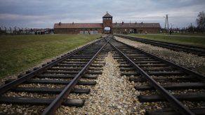 Sobrevivientes de Auschwitz conmemoran su liberación online