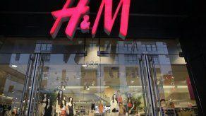 Alemania multa a H&M por espiar a empleados