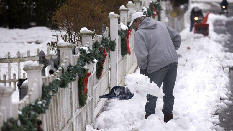 Fuerte tormenta de nieve con temperaturas glaciares sacude al noreste de EEUU
