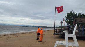 Sinaproc recuerda que mantiene bandera roja en playas y ríos del país