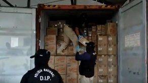 Autoridades incautan 23 paquetes de droga dentro de contenedor