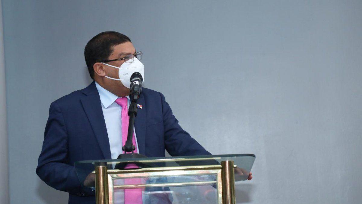 El ministro Luis Aguilar dijo que la lista de comunicadores no ha sido publicada debido a que están a espera de la auditoría a la orden de compra a favor de Jimmy Dawson.