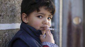 Niños portugueses reciben cigarrillos en Epifanía