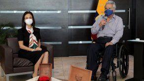 Presidente de Ecuador se reúne con De Saint Malo