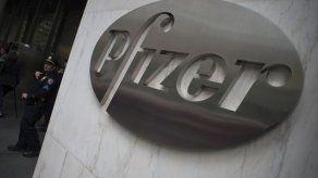 Pfizer alega razones científicas ante críticas a fármaco para Alzhéimer