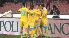 La UEFA multa a Nápoles y Eintracht Fráncfort por incidentes de hinchas