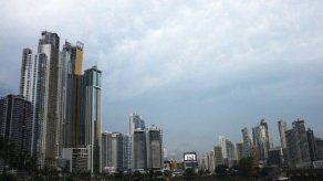 Panamá estudia contratar crédito con FMI en caso de crisis bancaria