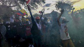 Cientos de miles de colombianos se han movilizado enérgicamente.