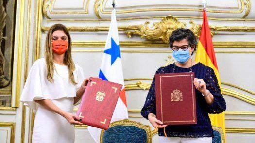 La ministra de Relaciones Exteriores de Panamá, Erika Mouynes y la ministra de Asuntos Exteriores, Unión Europea y de Cooperación de España, Arancha González