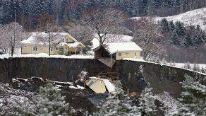 Buscan sobrevivientes tras enorme alud en Noruega