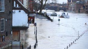 Feroz tormenta invernal deja 6 muertos en Europa