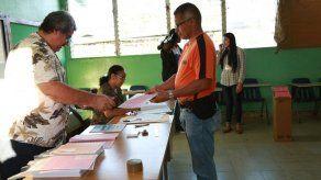 Cierran las mesas de votación