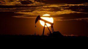 OPEP y otros forjan pacto para contener la caída del crudo