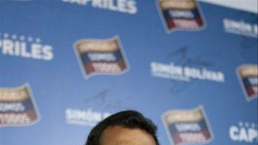 Capriles dice al cumplirse un mes de comicios que su lucha sigue intacta