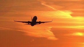 Costa Rica abre por completo la frontera aérea en busca de respiro económico