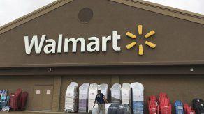 Walmart aumenta salarios y amplía prestaciones