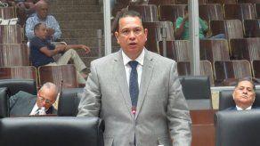 Diputado Fernando Arce  da positivo en la prueba de COVID-19