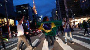Variantes más peligrosas del coronavirus avanzan con fuerza por Brasil