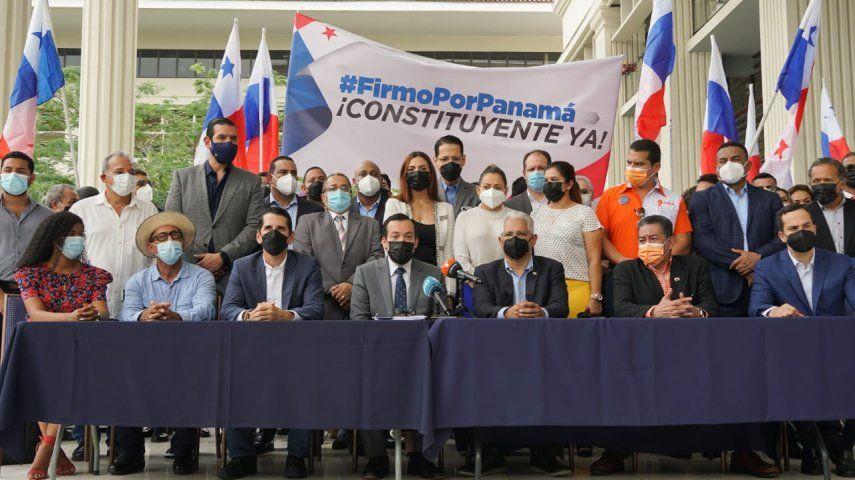 El Movimiento Firmo por Panamá solicitó el pasado 25 de mayo ante el Tribunal Electoral (TE) la autorización para que se le permita iniciar la recolección de firmas.