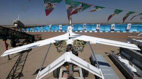 Irán presenta un nuevo modelo de avión de combate no tripulado