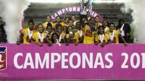 Universitario son las reinas del Fútbol Femenino
